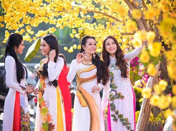 цветущие улицы во Вьетнаме
